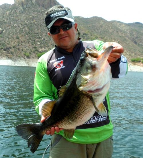 Juan Antonio Perez Figueroa guia de pesca en Zimapan
