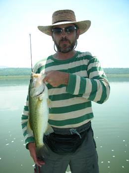 Reporte de pesca en la presa del Rodeo, Morelos
