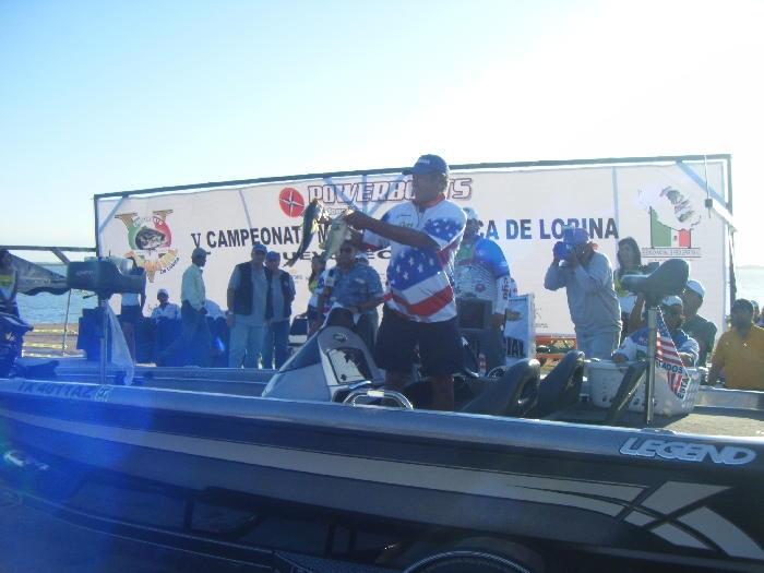 Campeonato mundial de lobina 2009, El Cuchillo Nuevo León Gary Yamamoto
