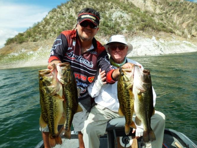 Guia de Pesca en Zimapan Juan Antonio Perez Zimapan Bass